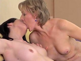 Mature Mom Seduce Young Lucky Daughter Porn 5d Xhamster